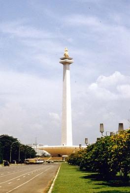 http://fahrurozi.files.wordpress.com/2009/01/jkt-jakarta-national-monument_b.jpg